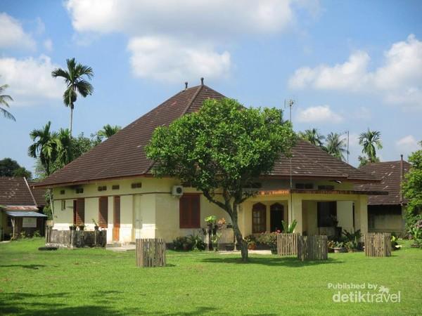 Afbeeldingsresultaat voor istana kerajaan benua tunu