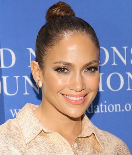 Rahasia Kulit Muda Jennifer Lopez di Usia 46 Tahun