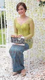 Cantiknya Nina Zatulini di Hari Pertunangan