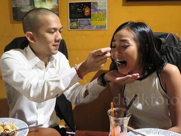 Aww, Mesranya Rinni Wulandari dengan Rapper Malaysia