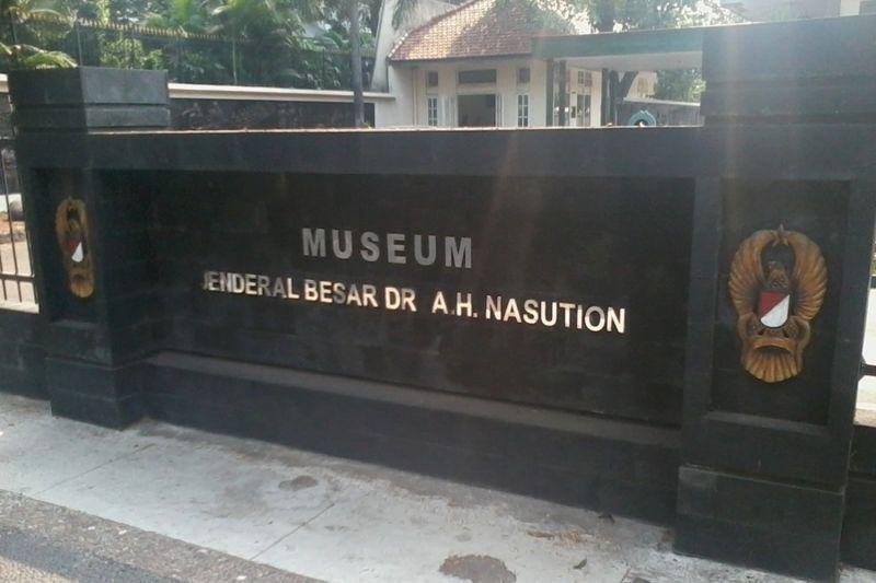 Museum Jenderal Besar AH Nasution terletak di Jl Teuku Umar No 40 Menteng, Jakarta Pusat. Jam buka museum ini dari pukul 08.00-14.00 WIB. Buka dari hari Selasa hingga Minggu, namun tutup di hari Senin (Wahyu/detikTravel)