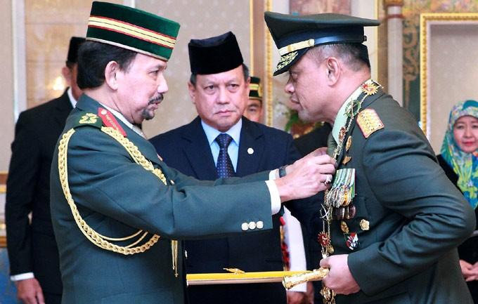 Panglima TNI Terima Bintang Kehormatan dari Sultan Brunei