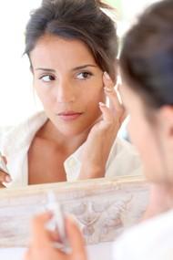 5 Cara Menggunakan Primer Agar Makeup Tahan Lama