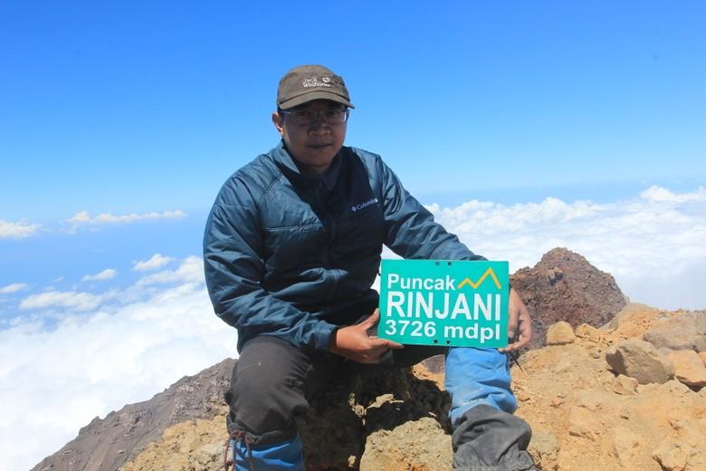 44847259f361 Ericks Rachmat di Puncak Gunung Rinjani (Istimewa)