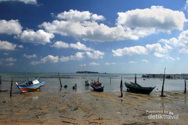perkampungan nelayan disalah satu pantainya