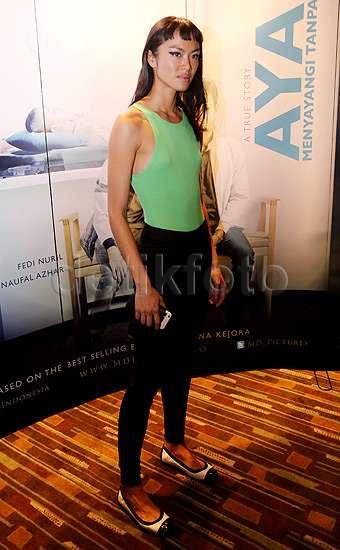 Gaya Kelly Tandiono di Premiere Film 'Ayah' ini Yay or Nay?