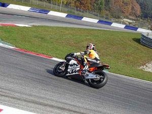 Prototipe Motor MotoGP KTM Mulai Diuji