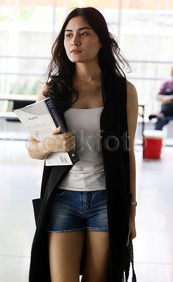 Dara cantik kelahiran 27 Agustus 1997 itu mengaku tidak terlalu ribet dalam memilih pakaian.