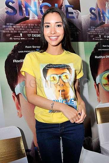Raditya Dika Kepincut Annisa Rawles di Film Terbaru