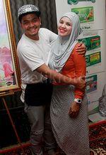 Indra Bekti dan Istri Tampil Bareng di Film 'Jilbab Traveler'