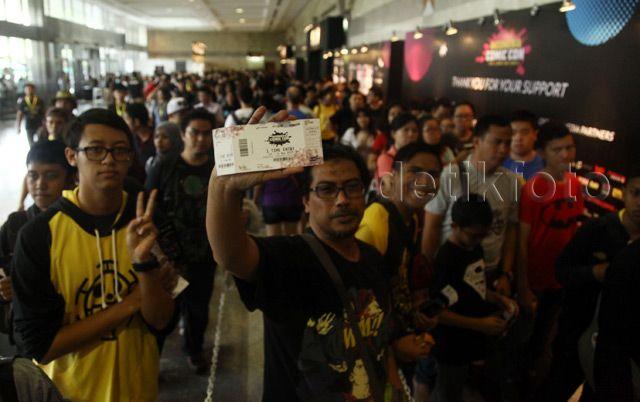 Pengunjung tampak antusias mengunjungi Indonesia Comic Con 2015.
