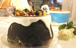 Sentuhan Baru Warna Hitam pada Chiffon Cake Klasik