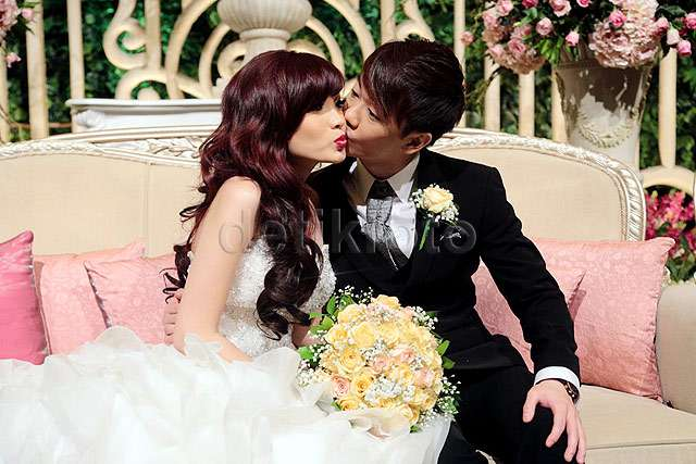 You May Kiss The Bride... Kecupan Mesra Aming untuk Angel 'Cherrybelle'