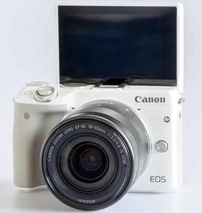 Canon EOS M3.