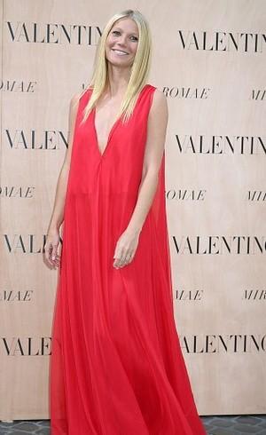 Gwyneth Paltrow, Selebriti Pertama yang Buat Koleksi dengan Valentino