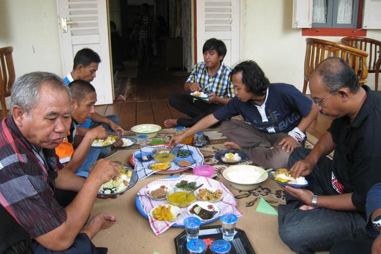 Tradisi makan Bedulang (Baban/detikTravel)