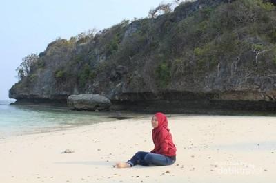 Pantai Ini Punya Pasir Selembut Tepung Terigu