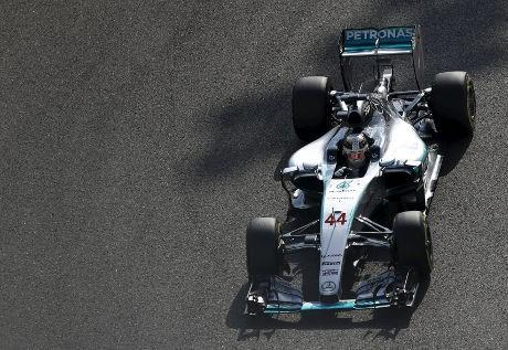 Kilau Karier Lewis Hamilton