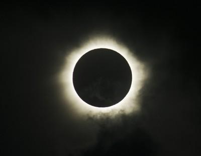 Yang Tak Boleh Ketinggalan Tahun 2016: Gerhana Matahari Total di Poso