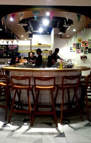 Santap Okonomiyaki di Restoran Bernuansa Edgy Okirobar, Grand Indonesia