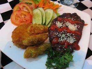 Sukun, Singkong dan Ubipun Jadi Pendamping Steak yang Enak