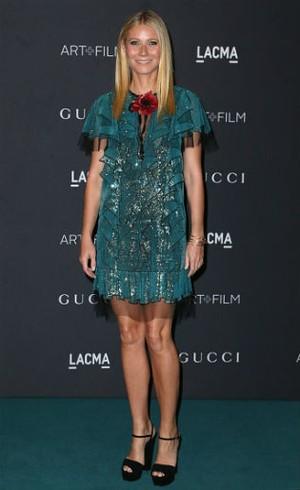 Gwyneth Paltrow Wariskan Gaun-gaun Oscar untuk Anaknya
