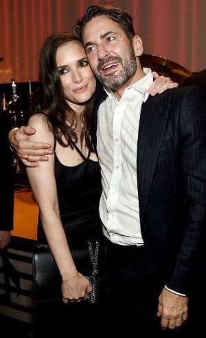 Pesona Winona Ryder di Usia 44 Tahun Saat Jadi Bintang Kosmetik Marc Jacobs