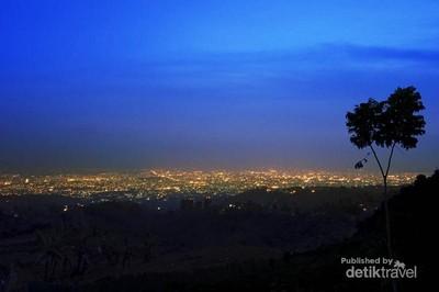 Dua Bukit yang Paling Hits di Bandung