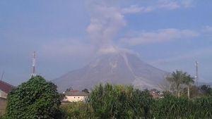 Wisatawan Diimbau Tak Mendekati Gunung Sinabung