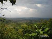 Pesona keindahan alam dari atas Lembah Cilengkrang