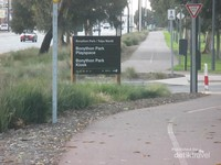 Salah satu pintu masuk Bonython Park