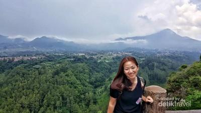 Jalan-jalan ke Bandung, Wajib Narsis di Tebing Keraton
