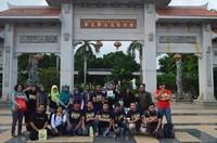 Berfoto di Taman Budaya Tionghoa