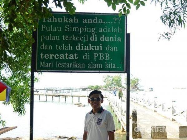 Inilah Pulau Simping yang terletak di Singkawang, Kalimantan Barat.