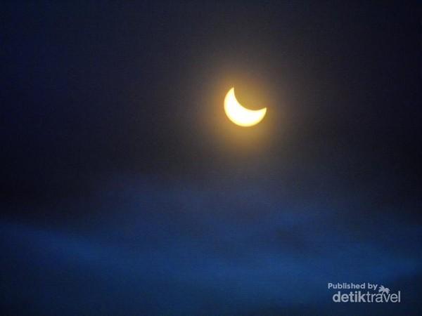 Detik-detik menjelang gerhana matahari total