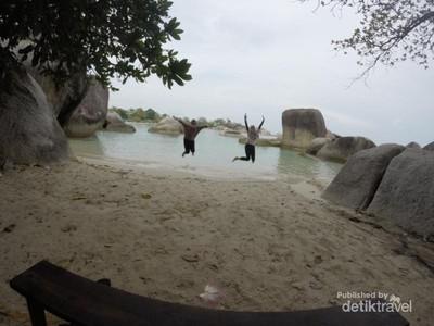 Wisata ke Belitung, Tak Lupa Mampir ke Pantai Laskar Pelangi