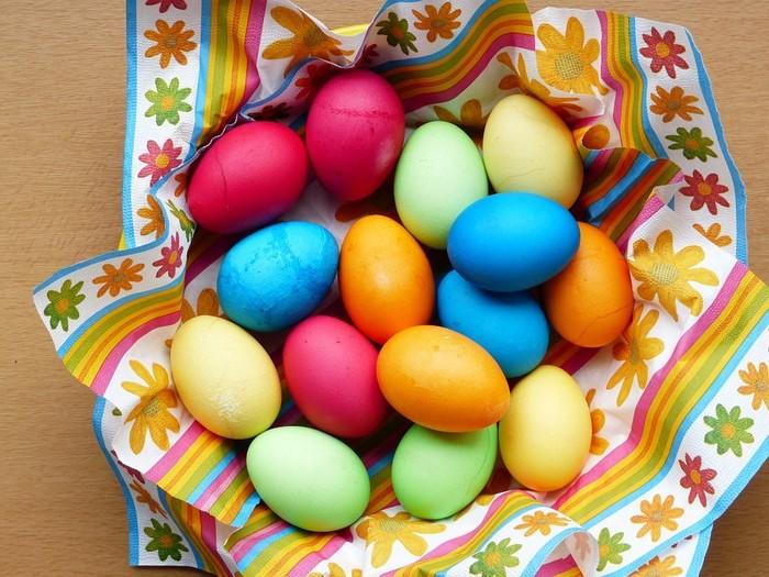 7 Pewarna Alami Ini Bisa Dipakai Mewarnai Telur Paskah