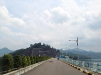 Jalan menuju area oprasional Bendungan Wonorejo