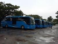 Bus Trans Koetaradja parkir sementara di Terminal Batoh Kota Banda Aceh
