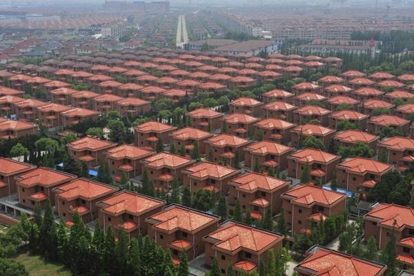 Jejeran perumahan mewah di Huaxi (Oniropolis/Twitter)