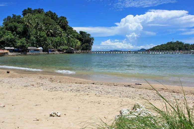 Indahnya Pantai Carocok di Pesisir Selatan, Sumbar (Randy/detikTravel)