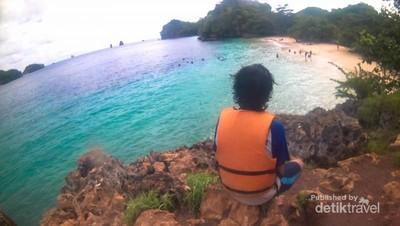 Pantai 3 Warna, Spot Snorkeling Asyik di Malang
