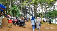 Areal parkir motor ring 1 Bukit Panembongan