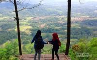 Panggung bambu Bukit Panembongan