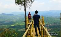 Menyatu dengan alam di Bukit Panembongan