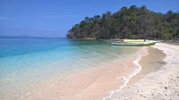 Dan penutup sebelum pulang, ada juga pulau Bogisa, pulau tak berpenghuni di sekitaran pulau Saronde