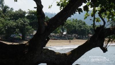 Sipelot, Pantai Cantik di Pesisir Jawa Timur