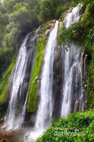 Kaki Gunung Talamau Punya Air Terjun Seindah Ini