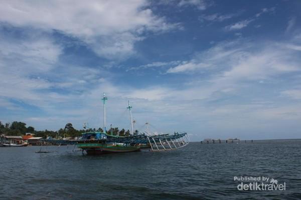 Suasana di perairan Pulau Pongok