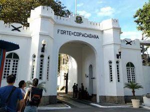 Copacobana di Brasil Tak Cuma Bikini, Ada Benteng Museum yang Keren